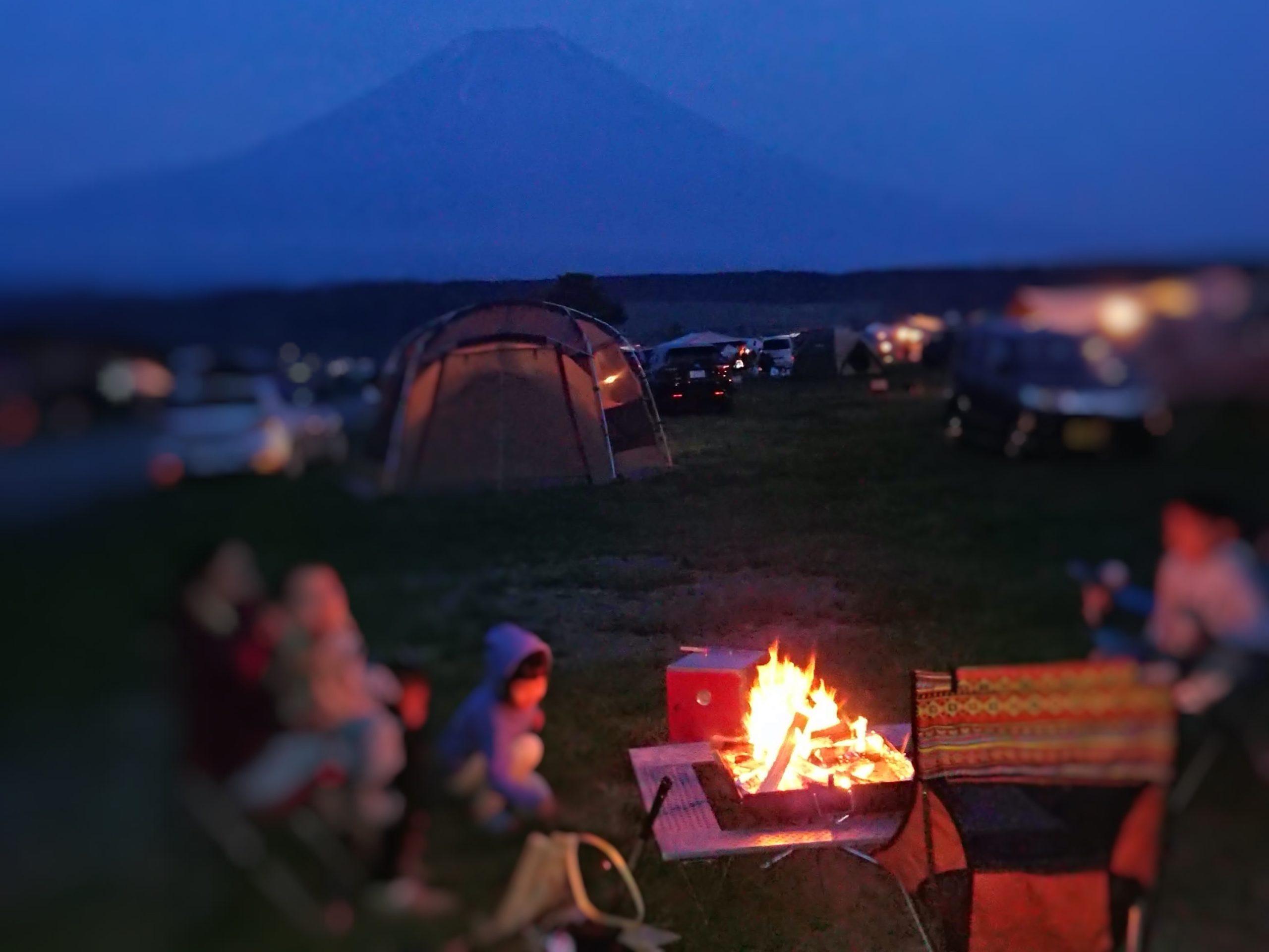 ふもとっぱらキャンプ場で焚き火